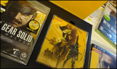 Photos du collector japonais de Metal Gear Solid Pecae Walker HD